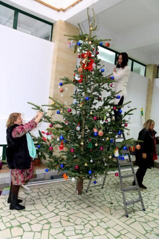 Împodobirea bradului de Crăciun 2018 (4) (Copy)